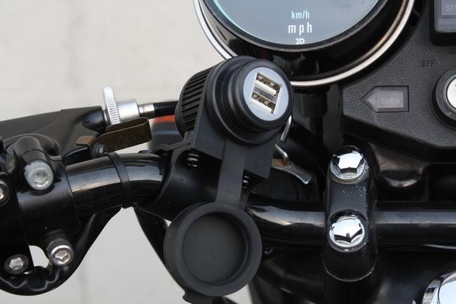 【Webike Garage】把手安裝型USB插座套件