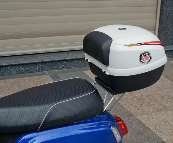 【GIVI】E33EB900(99B) 後箱 (MOTO GP烤漆彩繪白)無燈