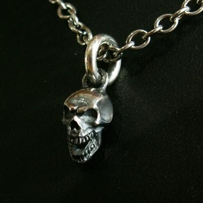Swing  Skull 項鍊