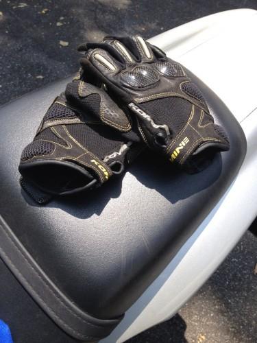 GK-124 碳纖維皮革手套-Faruche KOMINE