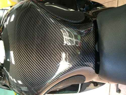 碳纖維油箱保護貼(綾織) CLEVERWOLF