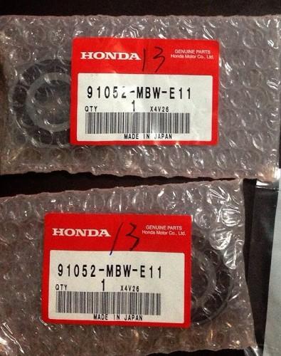 91052-MBW-E11 HONDA