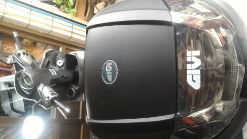 E300NT2 後箱 (平光黑)無燈(燻黑反光片) GIVI