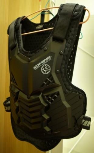 SK-688 苗條型身體護板 KOMINE