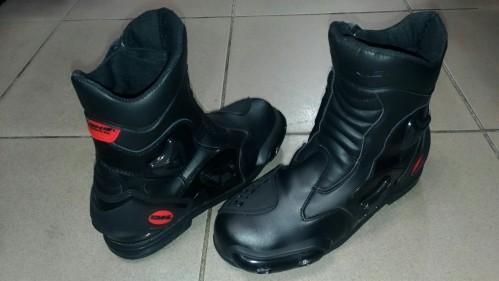 BK-067 防護運動型短版騎士鞋 KOMINE
